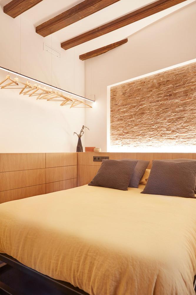Cărămidă expusă in dormitor