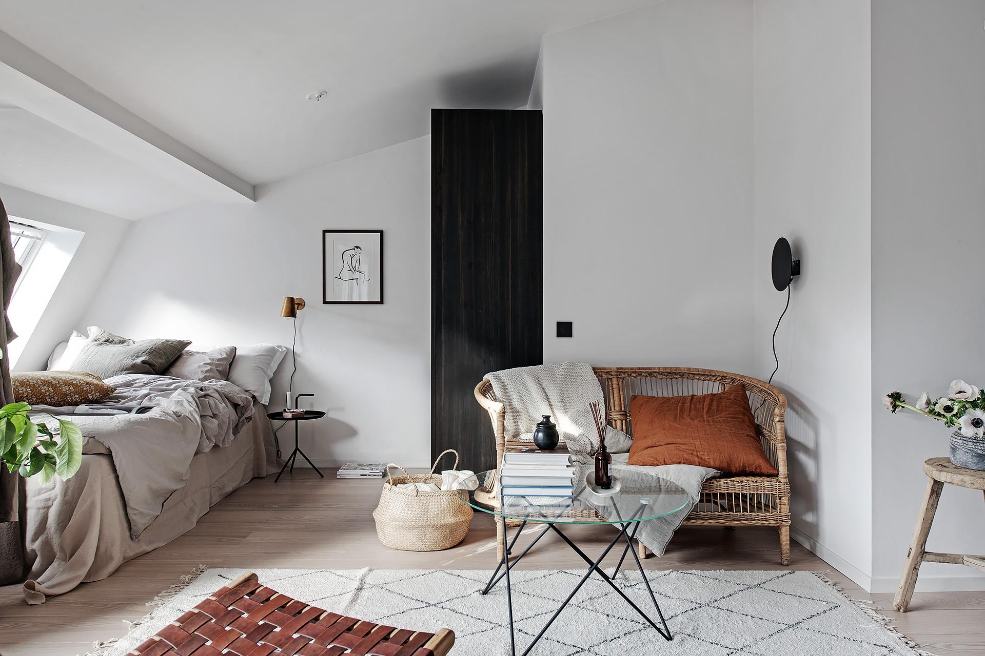 Design interior practic și scandinav într-o mansardă în plan deschis [36 m²] 15