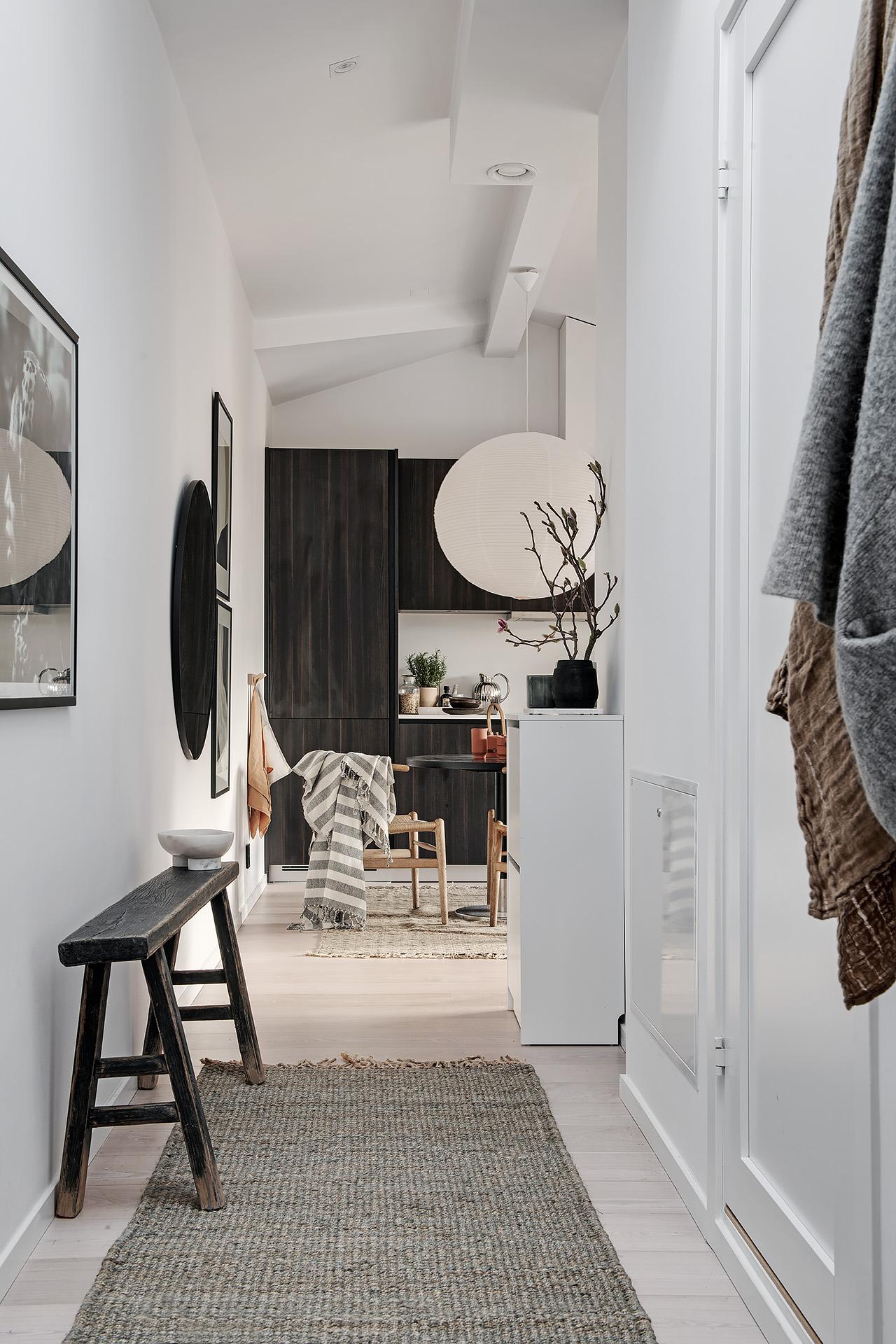 Design interior practic și scandinav într-o mansardă în plan deschis [36 m²] 5