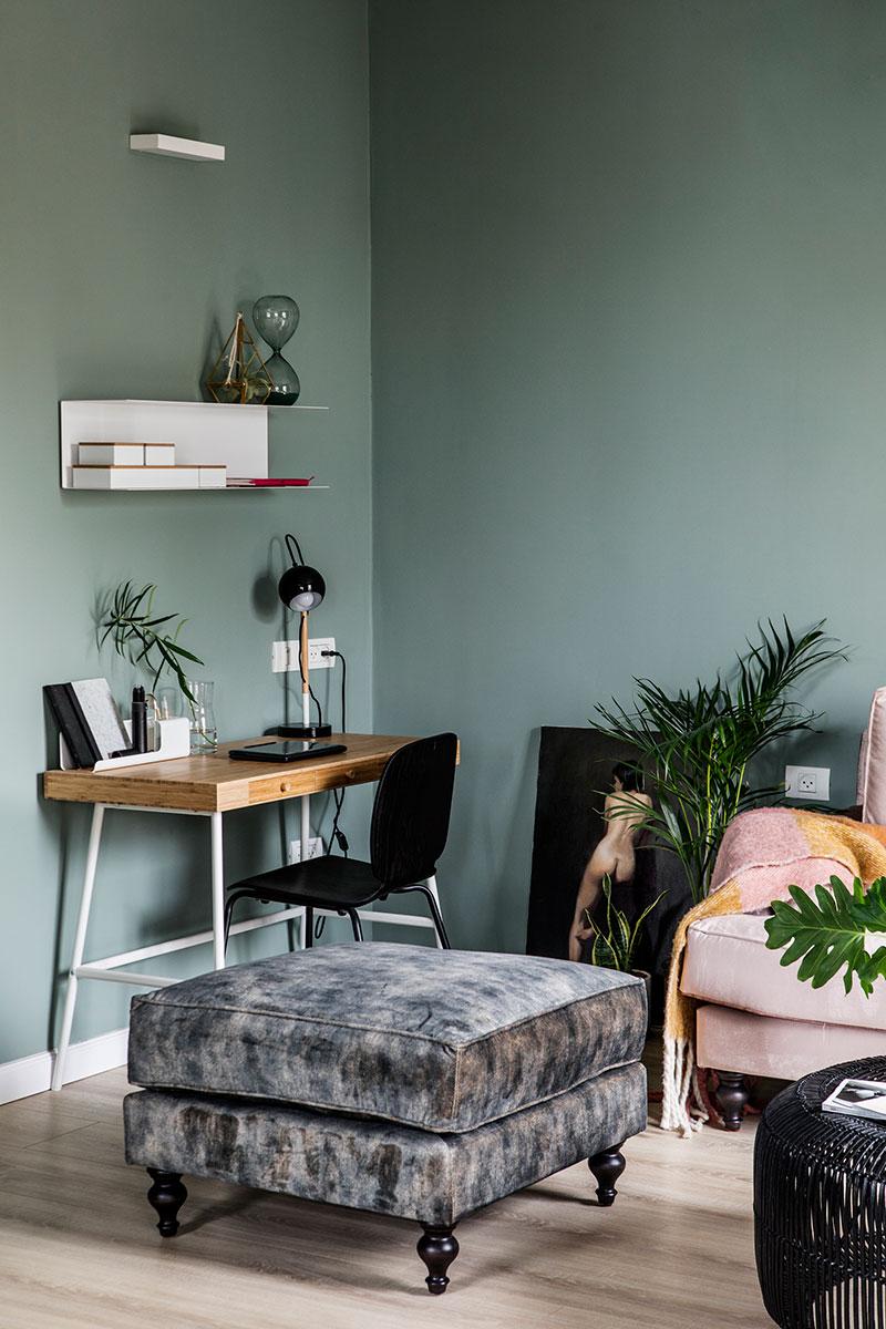 pereți verzi in living