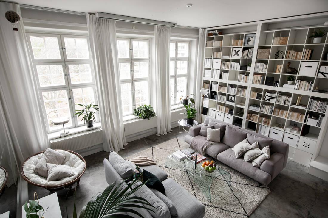 Bibliotecă până în tavan