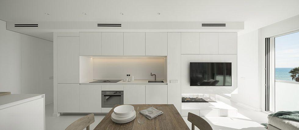 Amenajare ultra minimalistă bucatarie