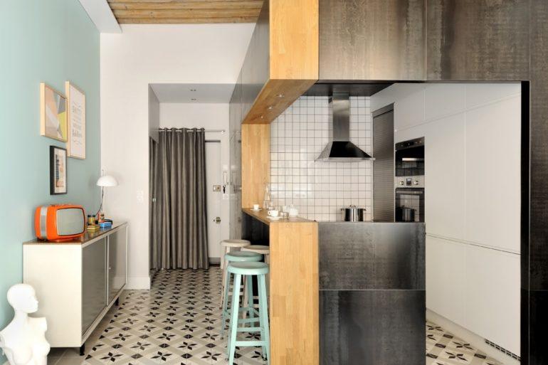 Bucătărie și baie în cub