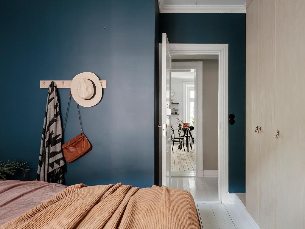 Albastru petrol în dormitor