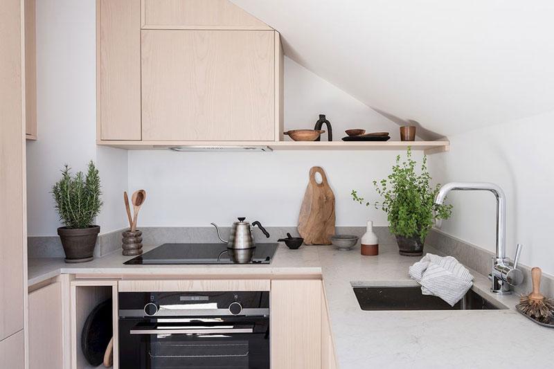 Bucătărie pe colț