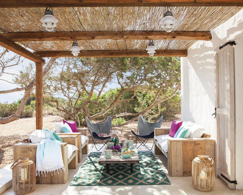 Accente vesele de culoare și decor mediteranean într o casă de vacanță din Formentera Spania 9