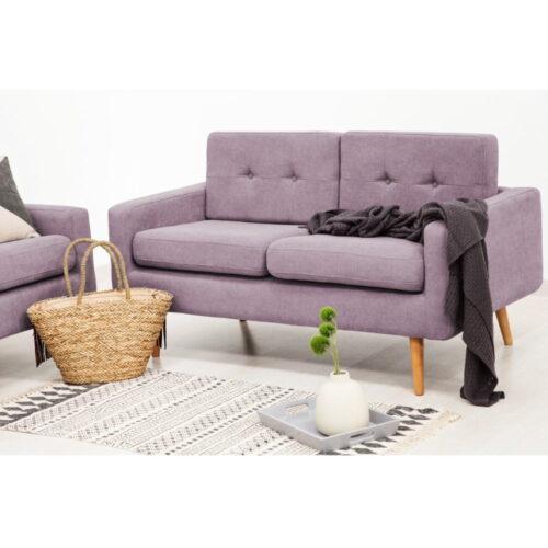 Canapea în culoarea lavandei