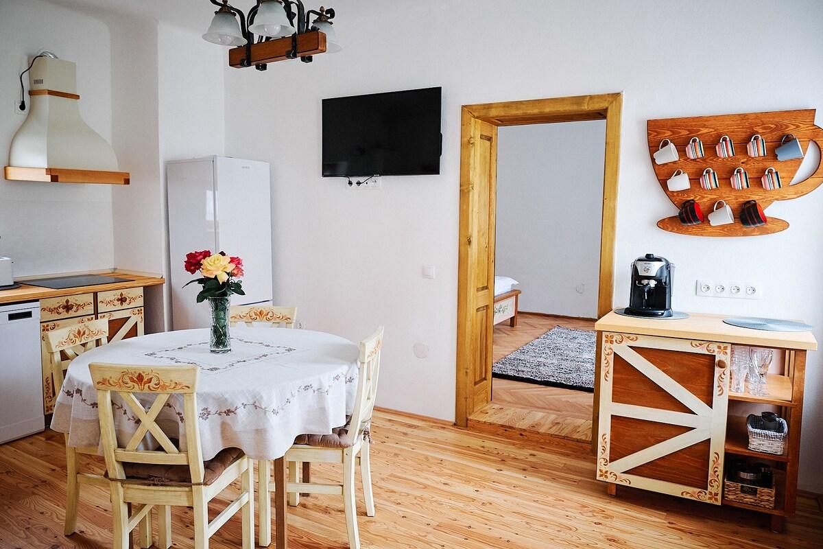 Design Interior - mobilier pictat