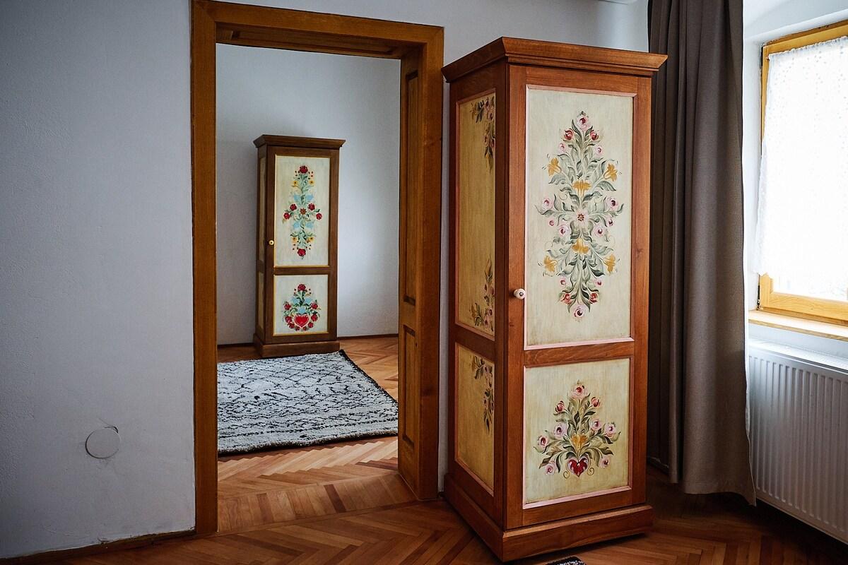 Design Interior - dulap pictat