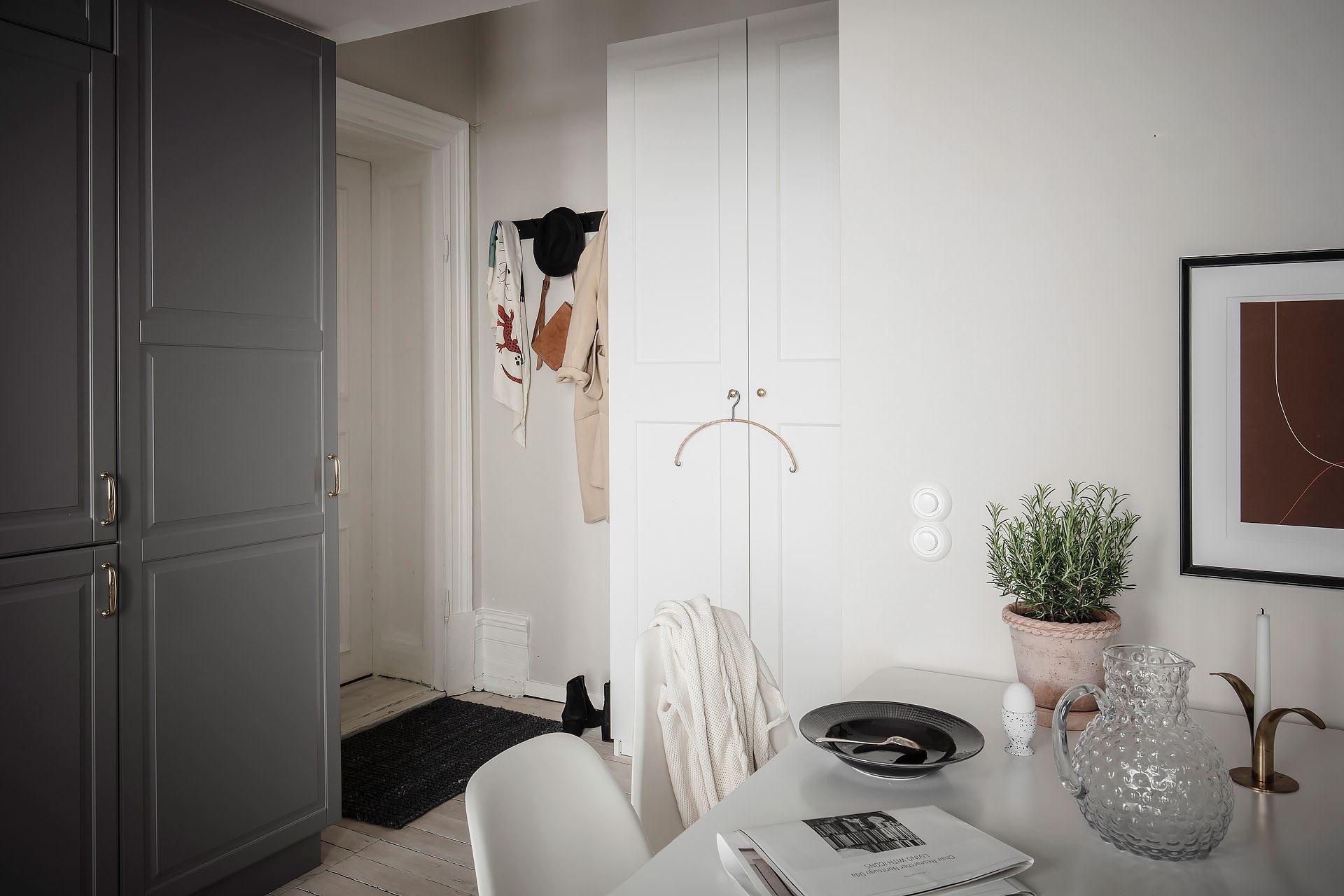 Pat suspendat într o garsonieră de 22 m² din Suedia 11