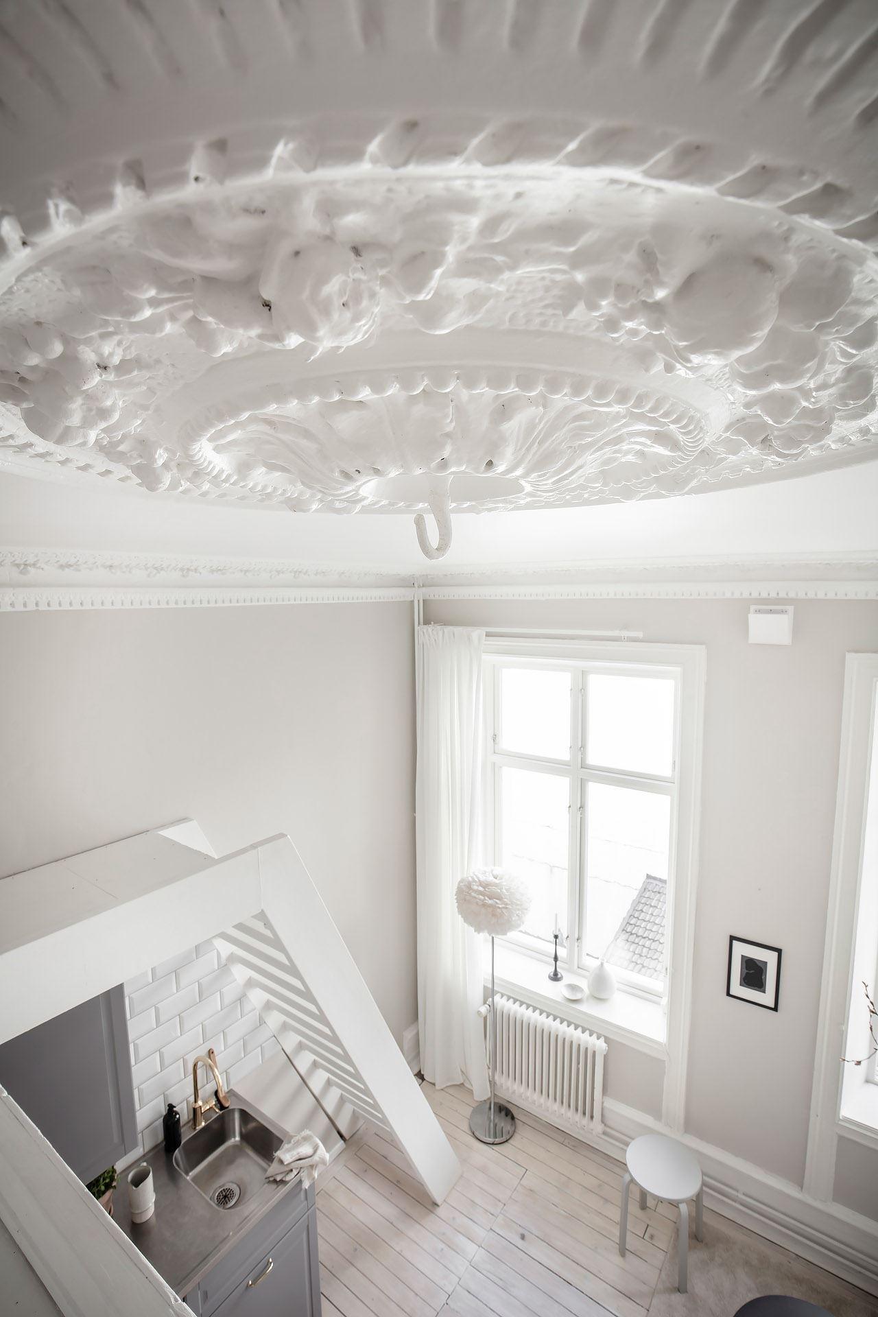 Pat suspendat într o garsonieră de 22 m² din Suedia 24