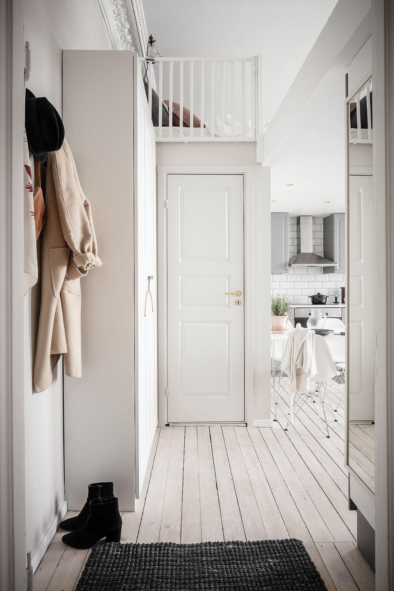 Pat suspendat într o garsonieră de 22 m² din Suedia 24f