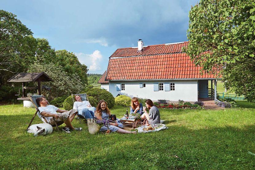 Casa de la țară transformată în casă de vacanță 17
