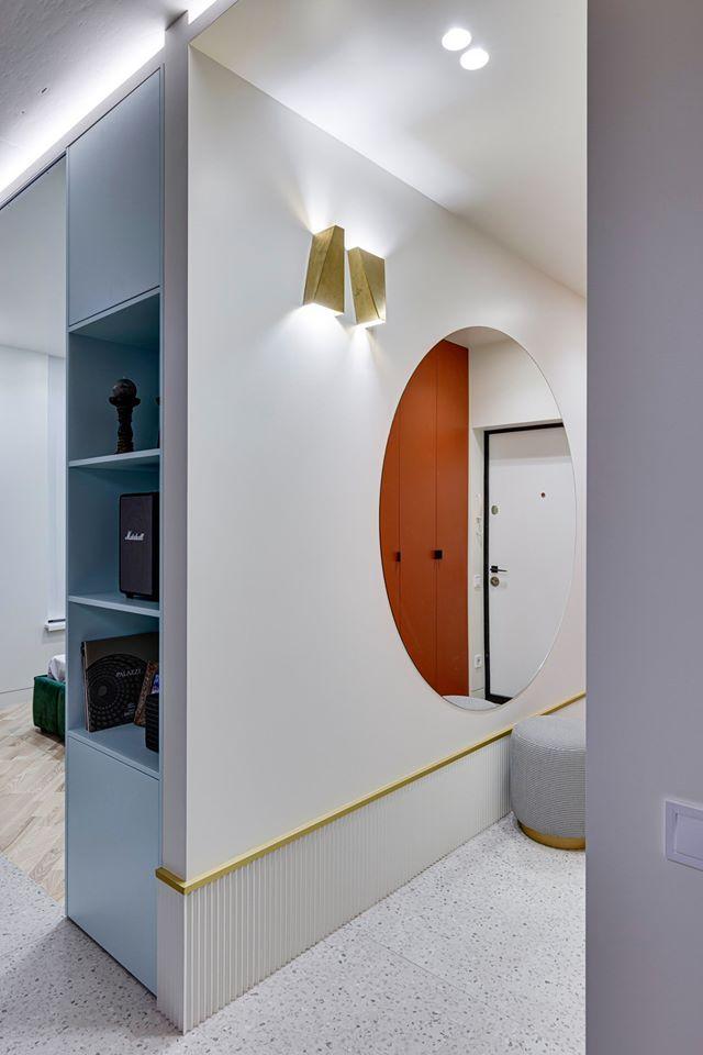 Draperie între living și dormitor într o garsonieră de 35 m² din Kiev 7a