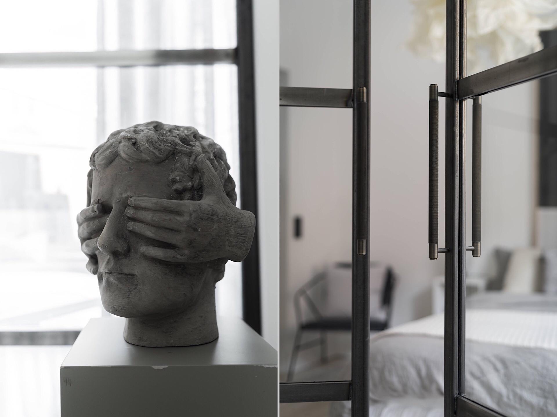 Uși de sticlă între living și dormitor într o garsonieră de 49 m² din Suedia 8