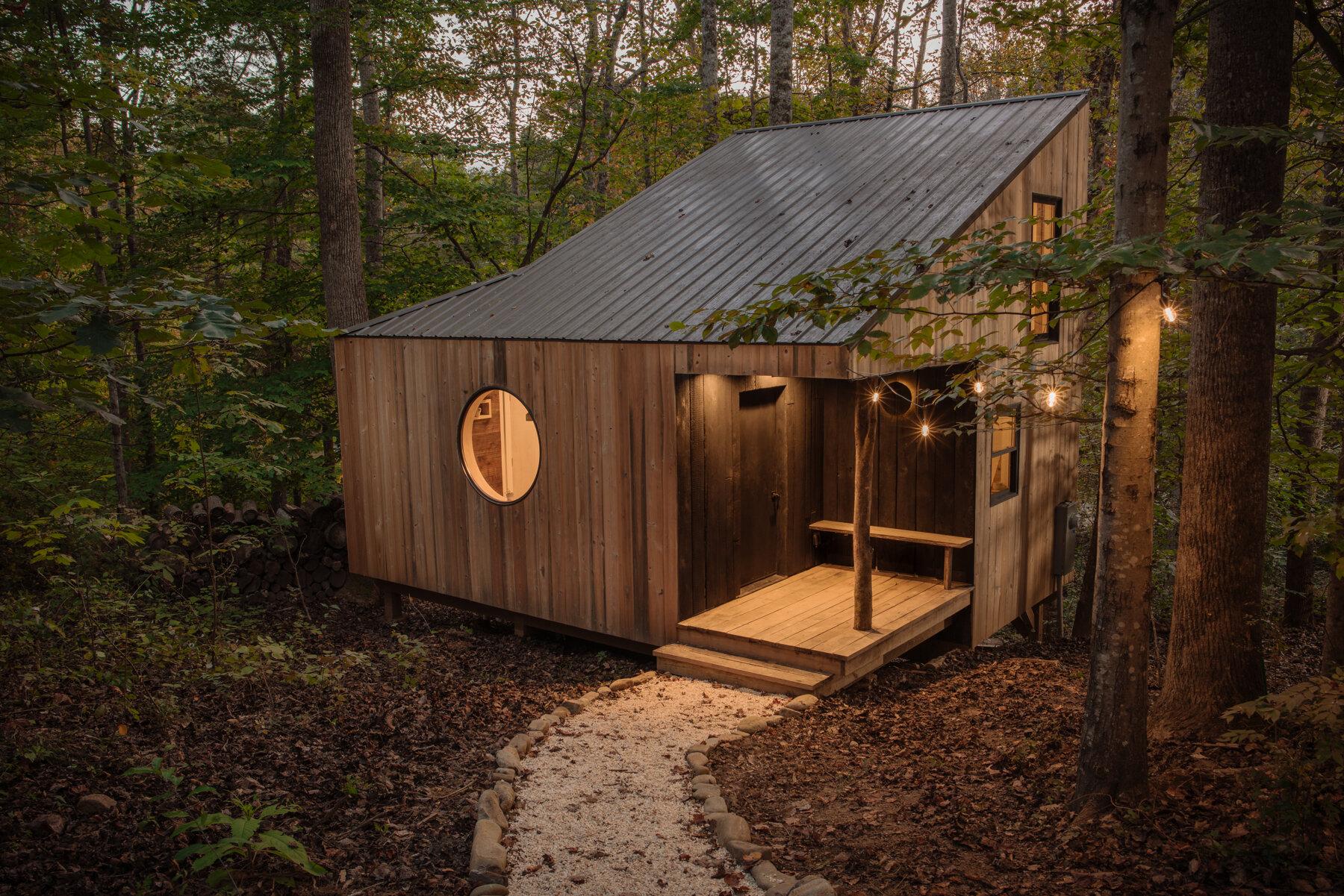 Căsuță în pădure de numai 37 m² cuibul perfect pentru o vacanță în doi 1