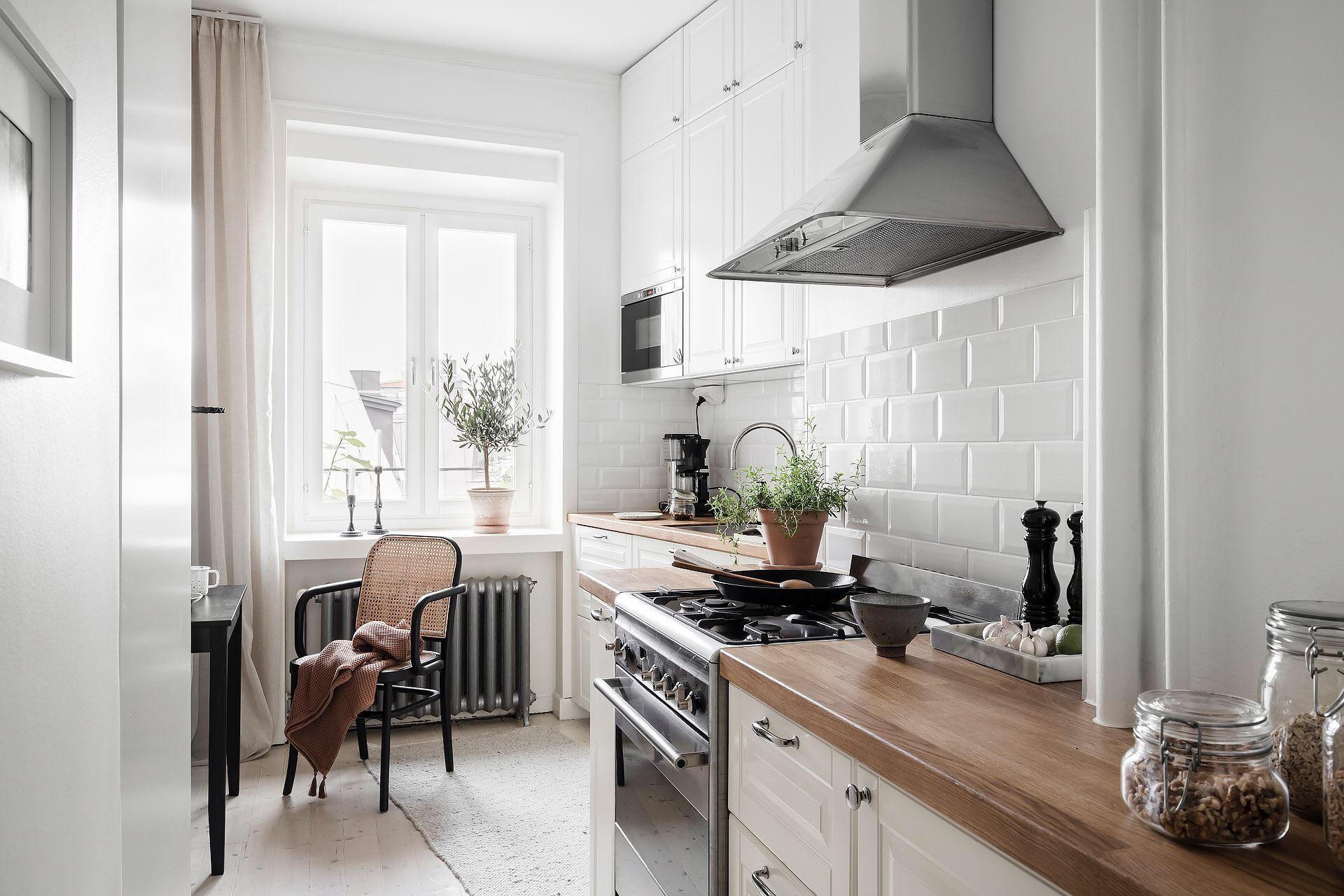 Cromatică relaxantă și decor scandinav într un apartament de 50 m² 26