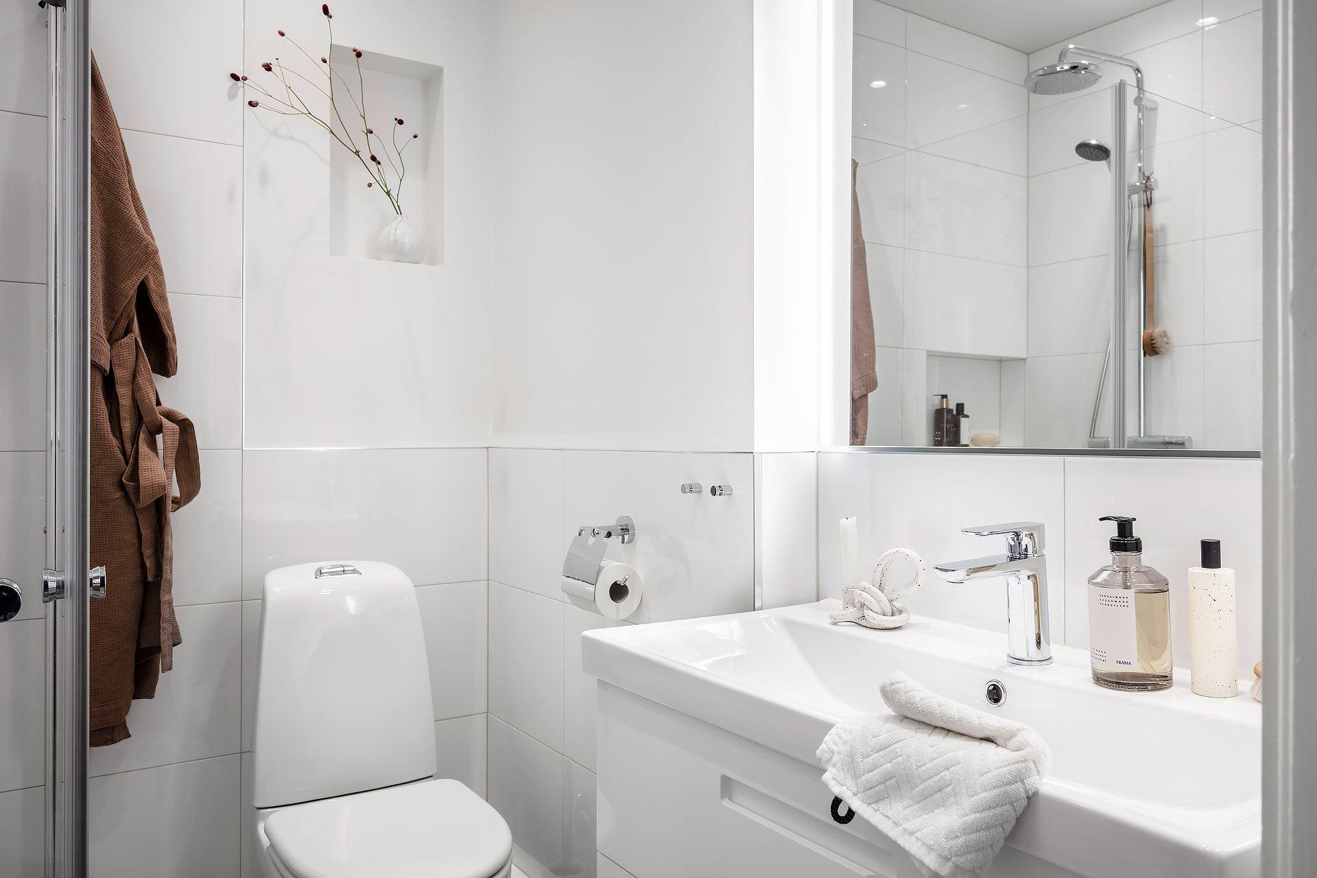 Cromatică relaxantă și decor scandinav într un apartament de 50 m² 30
