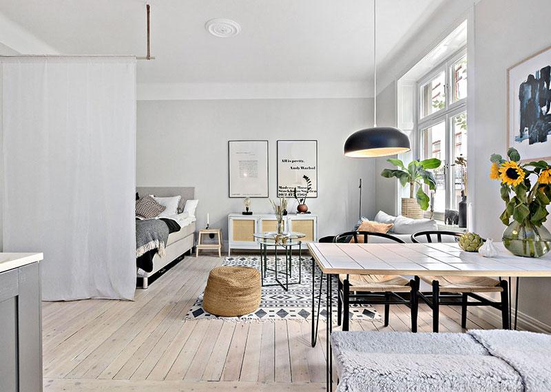 Plan deschis un balcon drăguț și o draperie pentru dormitor într o garsonieră de 37 m² 13