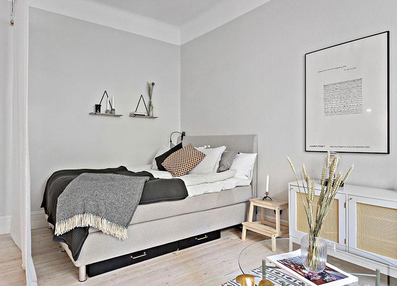 Plan deschis un balcon drăguț și o draperie pentru dormitor într o garsonieră de 37 m² 14