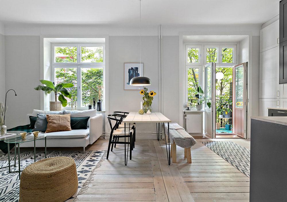 Plan deschis un balcon drăguț și o draperie pentru dormitor într o garsonieră de 37 m² 2