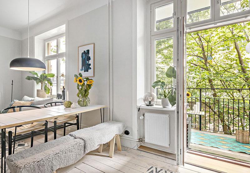 Plan deschis un balcon drăguț și o draperie pentru dormitor într o garsonieră de 37 m² 5