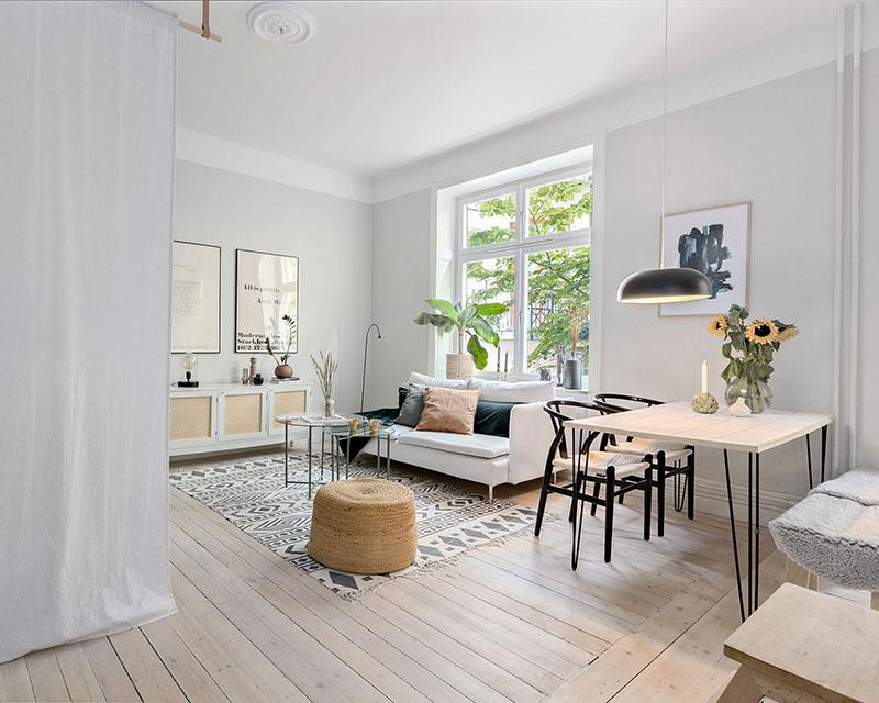 Plan deschis un balcon drăguț și o draperie pentru dormitor într o garsonieră de 37 m² 6