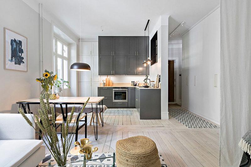 Plan deschis un balcon drăguț și o draperie pentru dormitor într o garsonieră de 37 m² 7