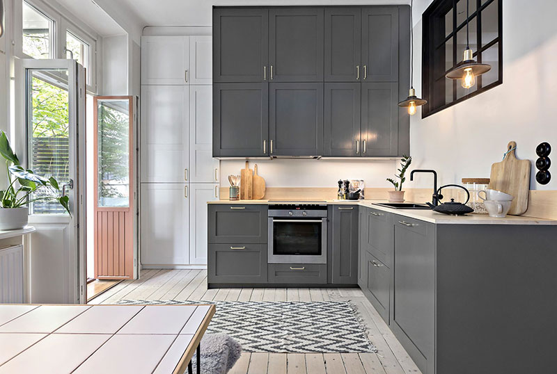 Plan deschis un balcon drăguț și o draperie pentru dormitor într o garsonieră de 37 m² 8