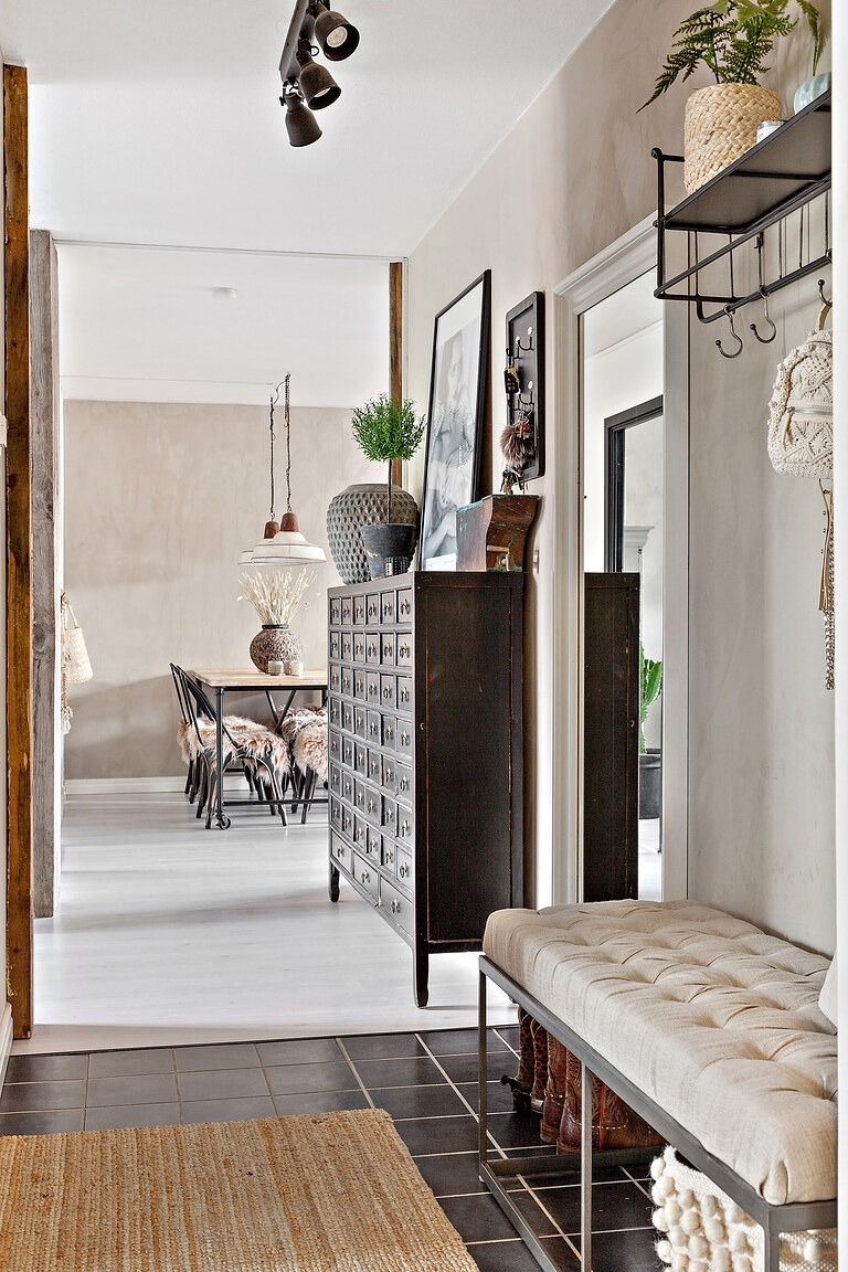 Stil boho șic în tonuri naturale de culoare într un apartament de 63 m² 5