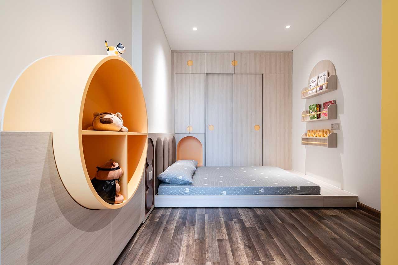 Turcoaz roz piersică și portocaliu într un apartament plin de personalitate din Vietnam 18