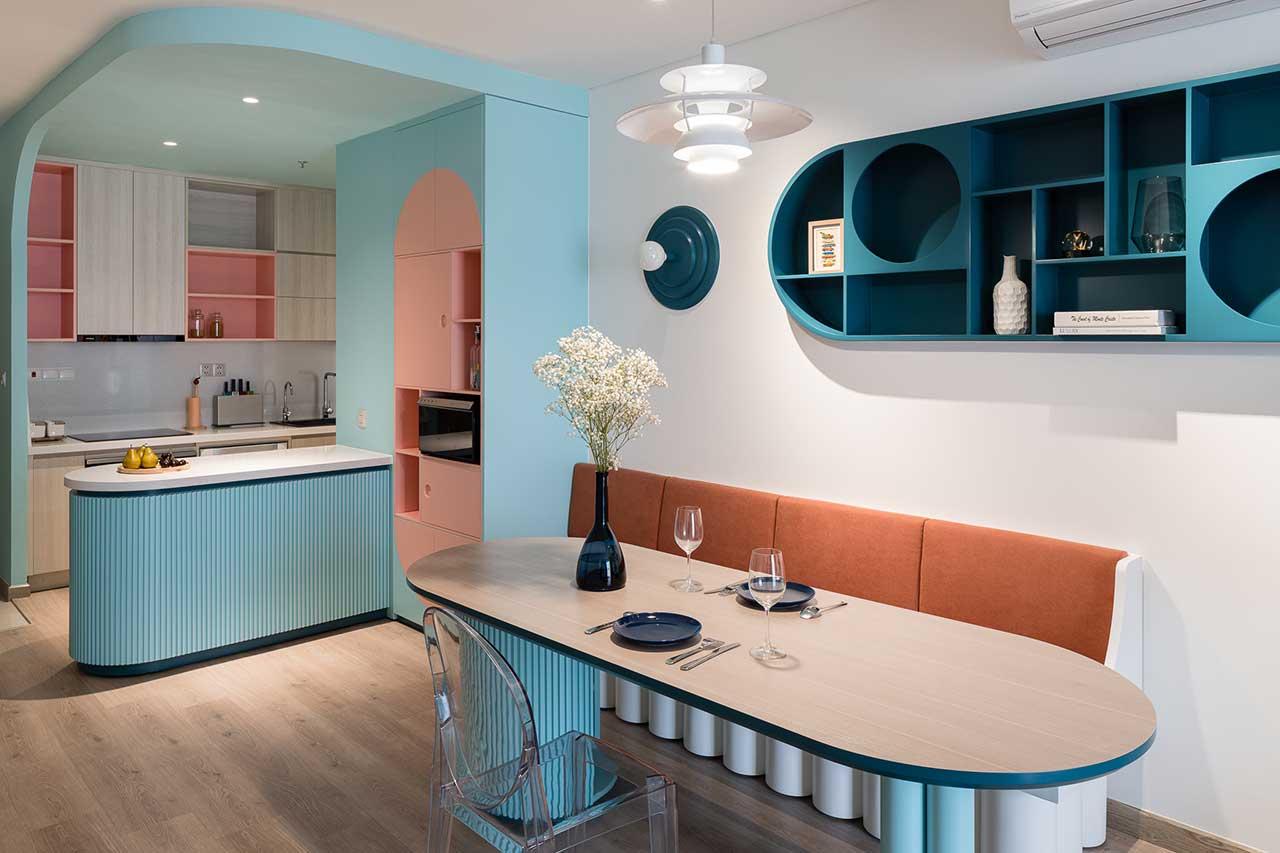 Turcoaz roz piersică și portocaliu într un apartament plin de personalitate din Vietnam 2