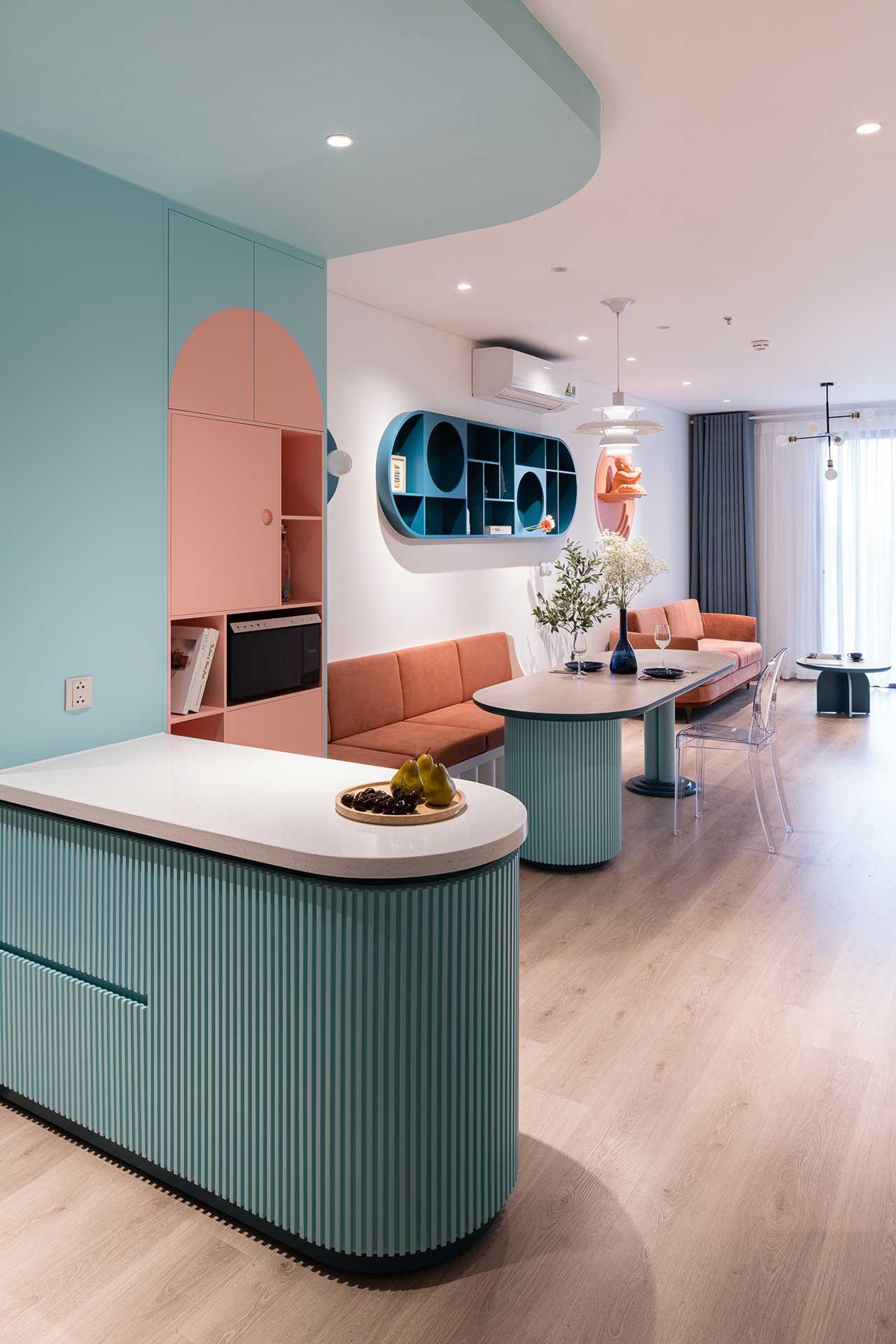 Turcoaz roz piersică și portocaliu într un apartament plin de personalitate din Vietnam 5
