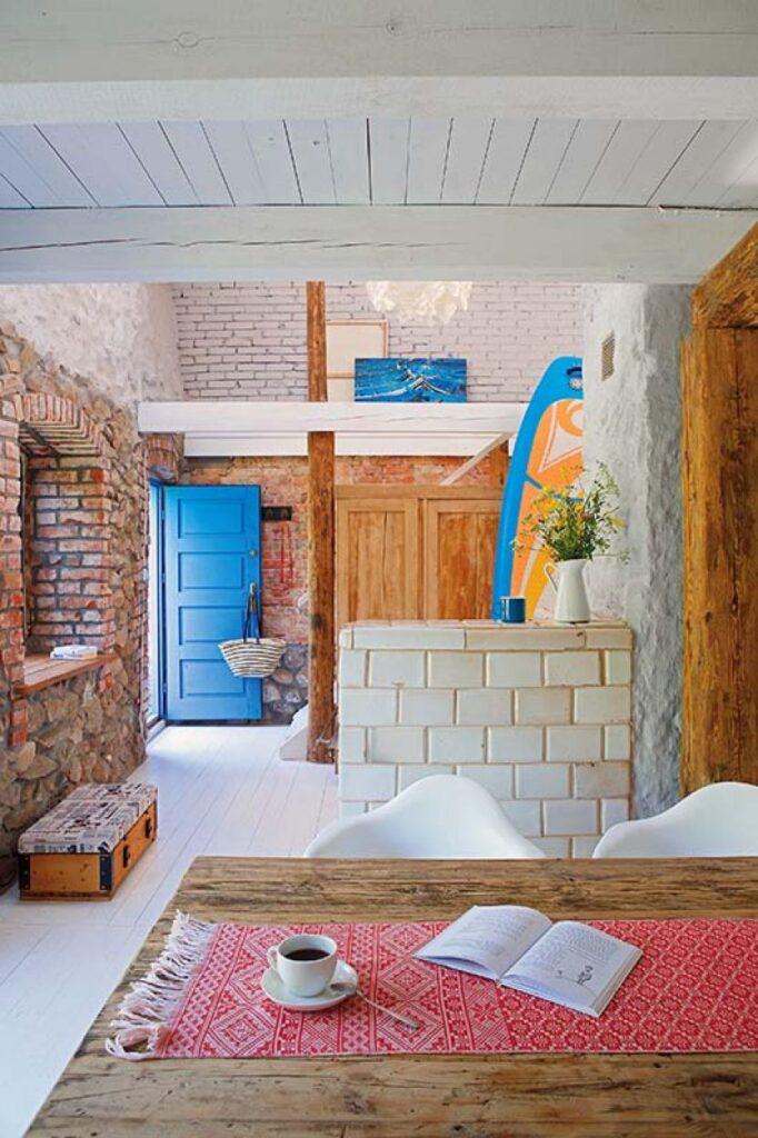 Decor rustic boem și colorat într o casă din Ełk Polonia 1