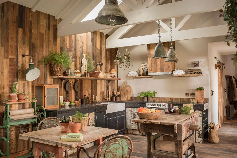 Decor rustic cu accente vintage într o casă de vacanță din Cornwall UK 4