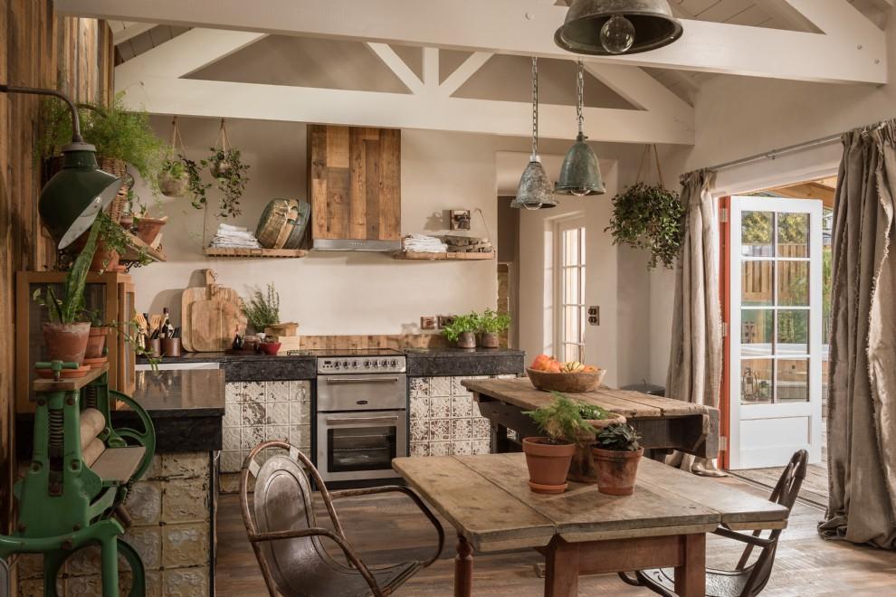 Decor rustic cu accente vintage într o casă de vacanță din Cornwall UK 5