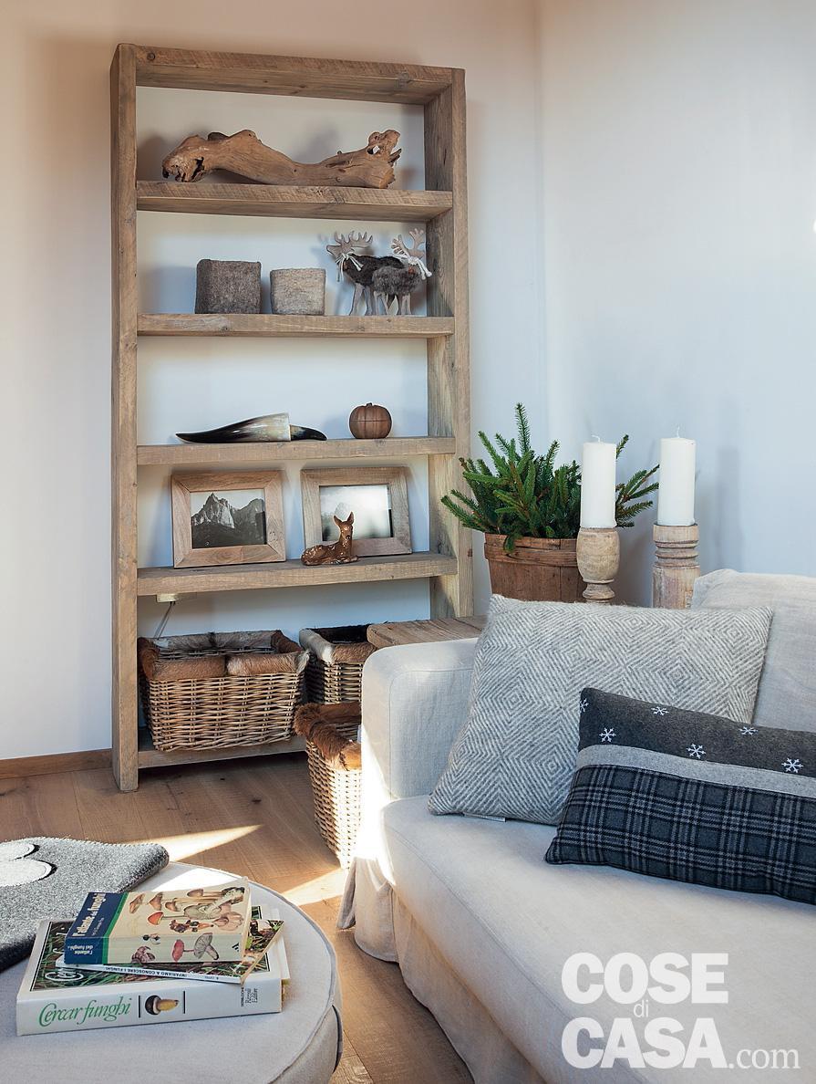 Tavan placat cu lemn într o mansardă de 75 m² din Siusi Italia 1a