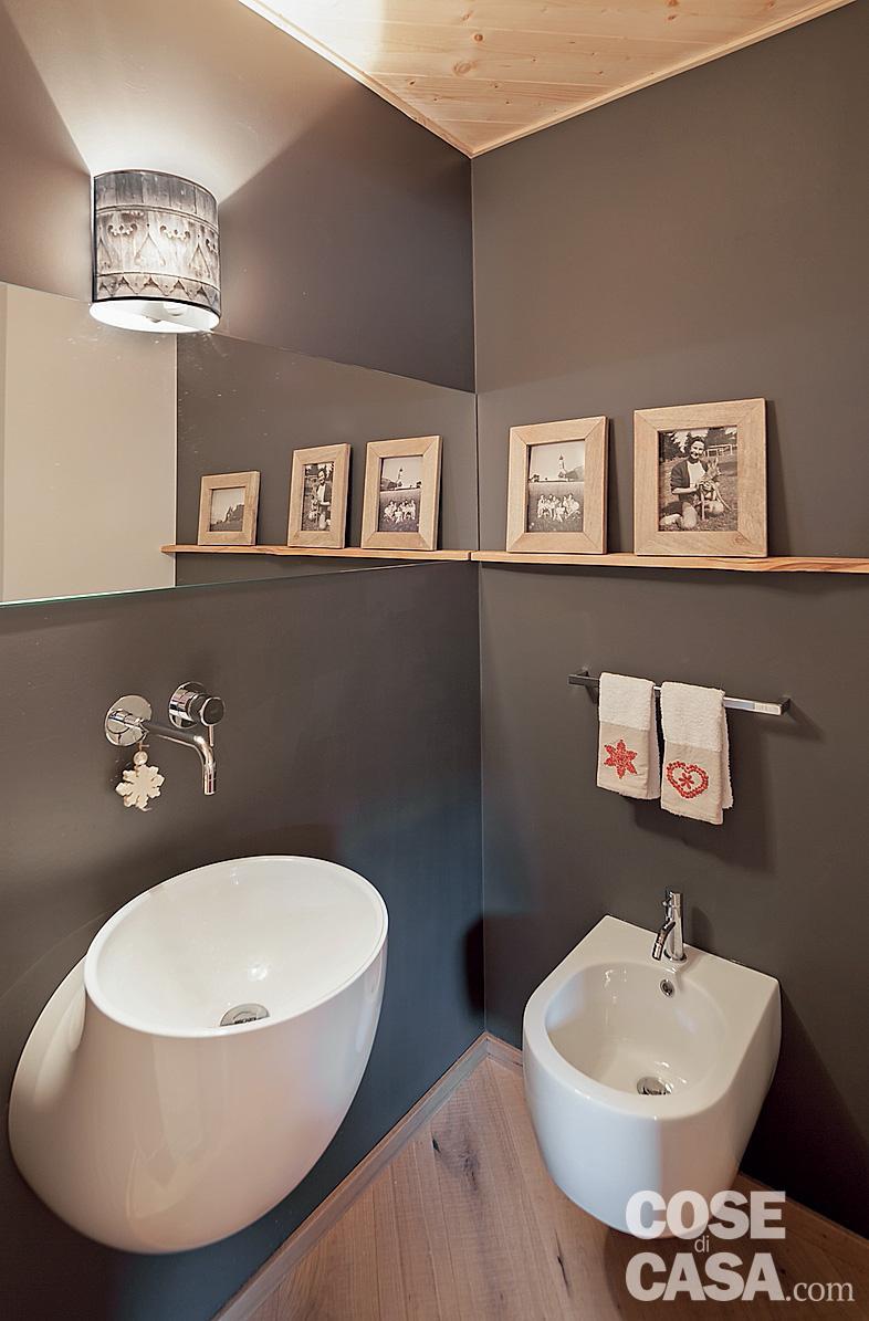 Tavan placat cu lemn într o mansardă de 75 m² din Siusi Italia 9