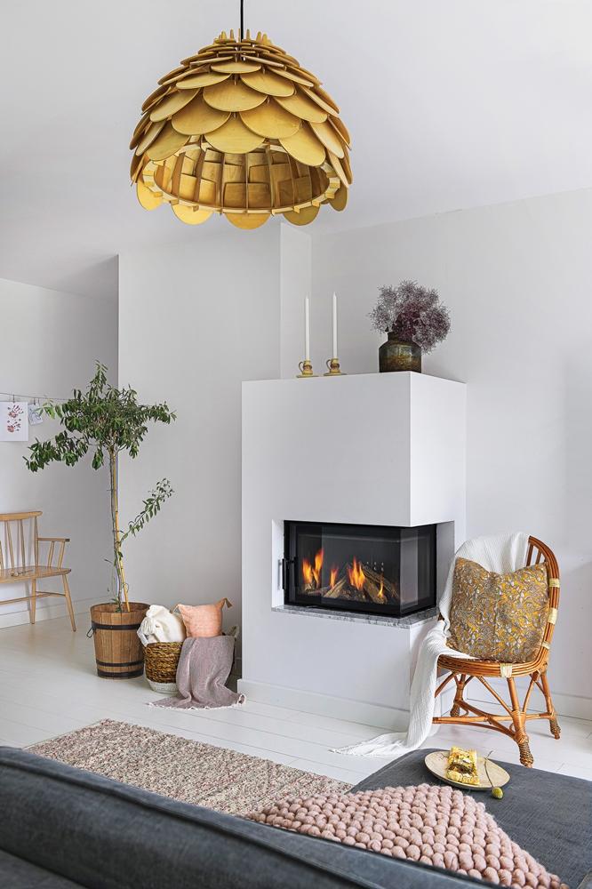 Accente galben muștar și lila într o casă din Polonia 1a