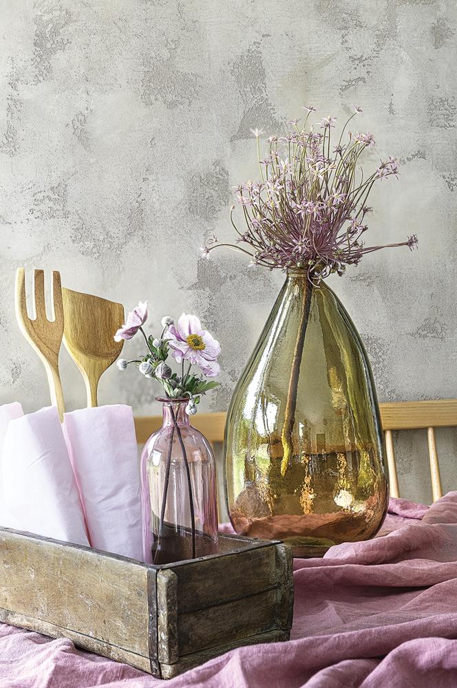 Accente galben muștar și lila într o casă din Polonia 3
