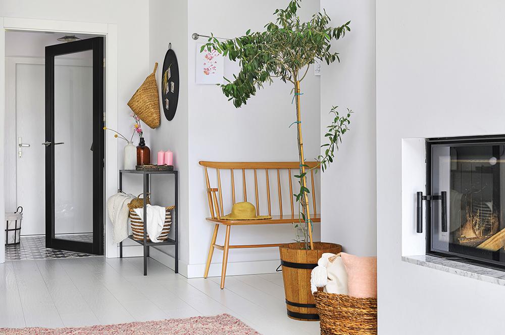 Accente galben muștar și lila într o casă din Polonia 7