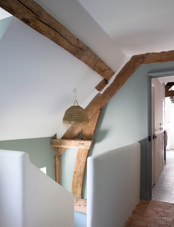 Amenajare și decor rustic într o casă construită nou construită 5