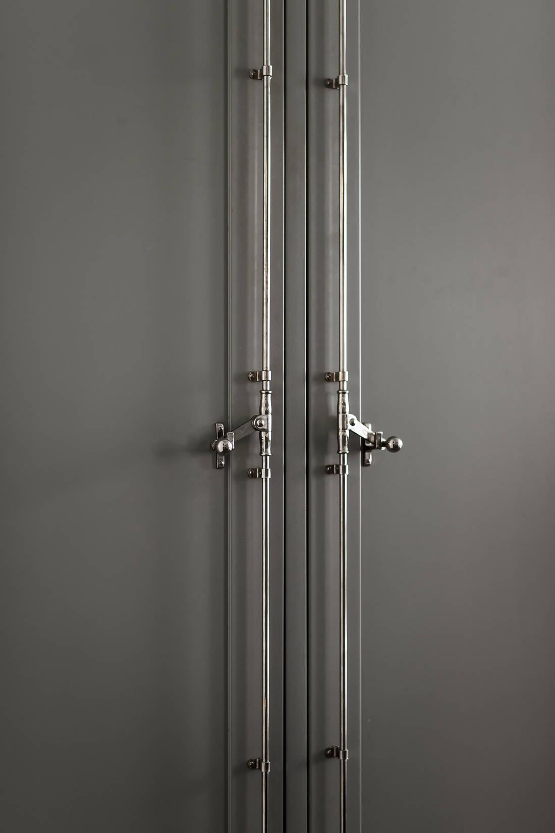Detalii industriale și decor masculin într un apartament de 80 m² 1a