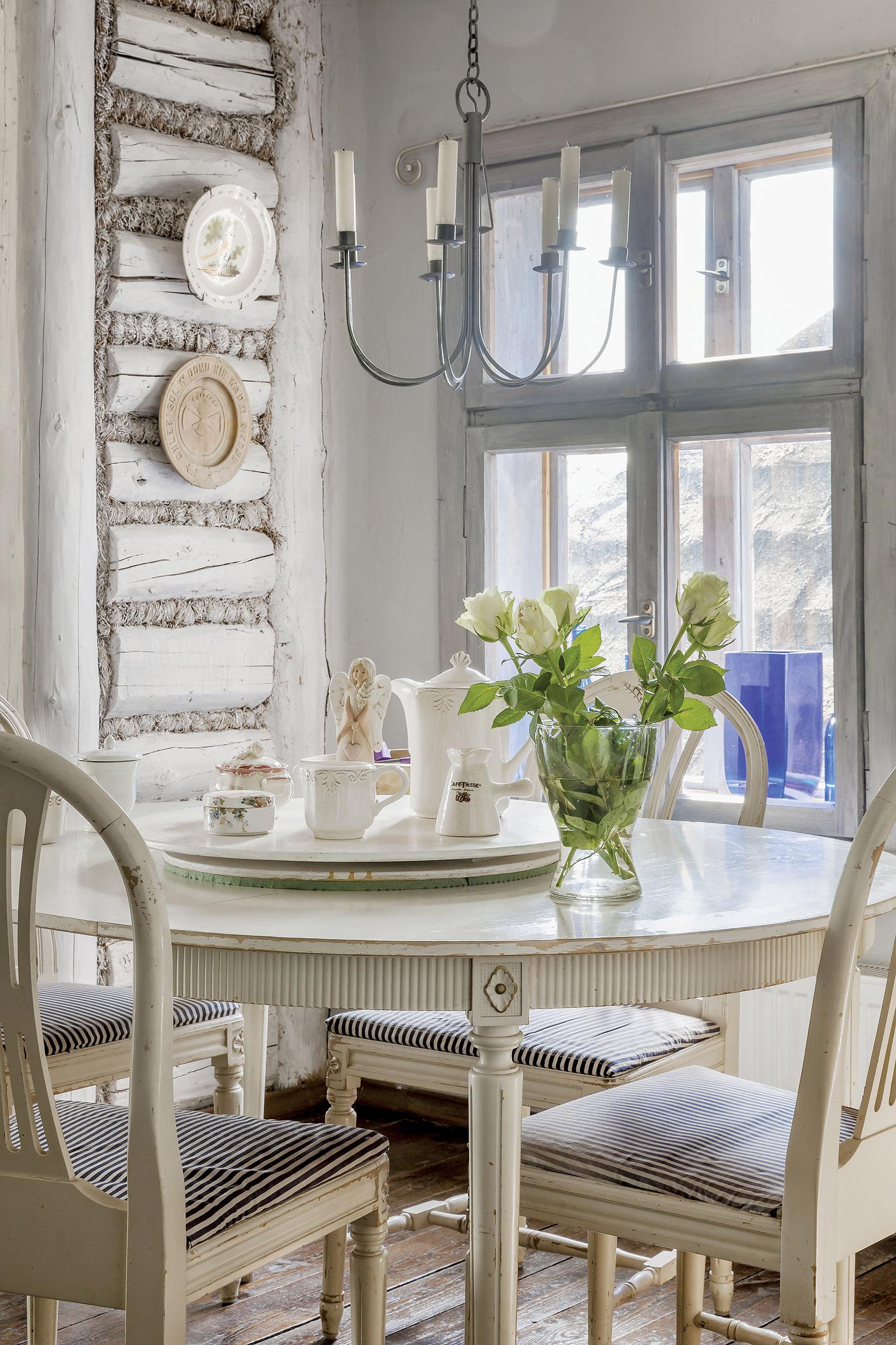 Fost magazin din Polonia transformat într un cămin rustic primitor 3