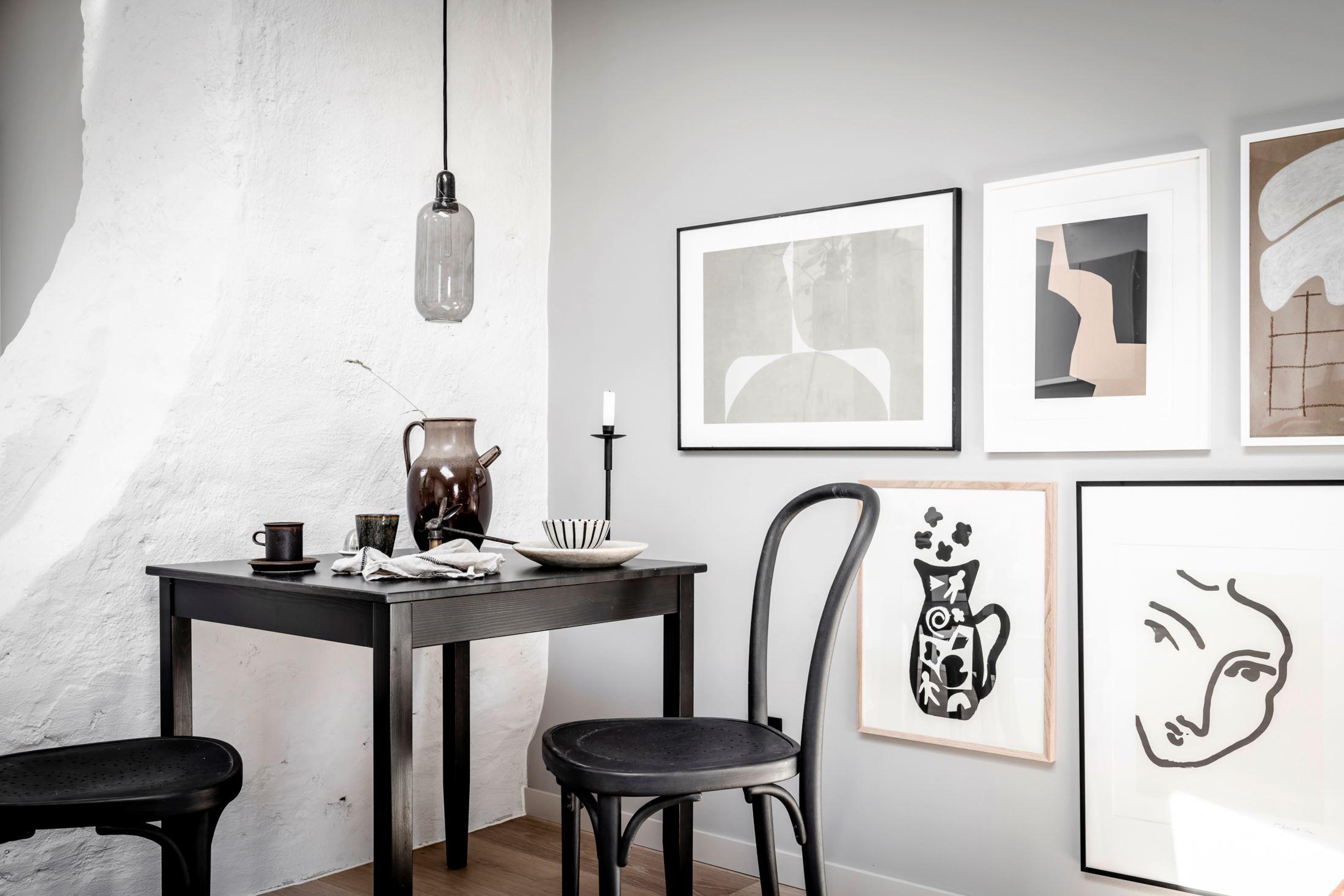 Plan deschis și decor nordic într o garsonieră la mansardă 35 m² 19