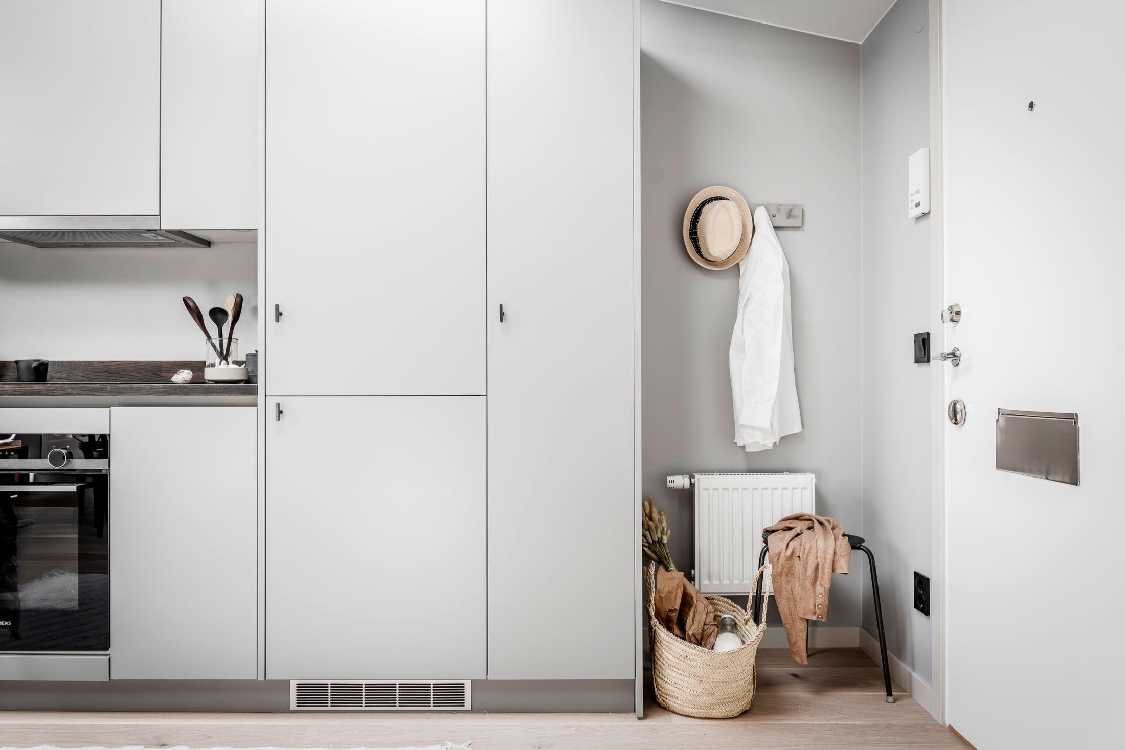 Plan deschis și decor nordic într o garsonieră la mansardă 35 m² 5