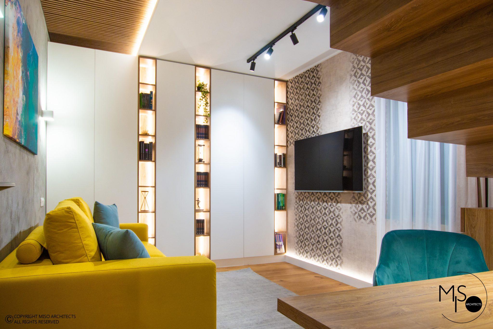 Birou la primul nivel living bucătărie și dormitor la mansardă într un duplex din Brașov 1