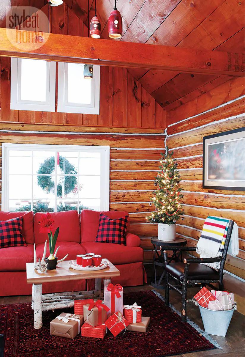 Decor de Crăciun într o cabană din mijlocul pădurii 2
