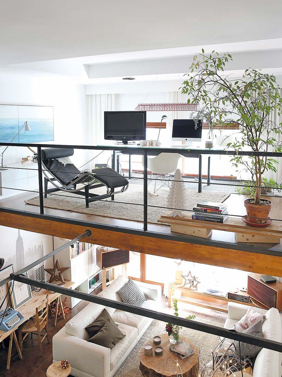 Decor de Crăciun într un apartament pe două niveluri din Madrid 11