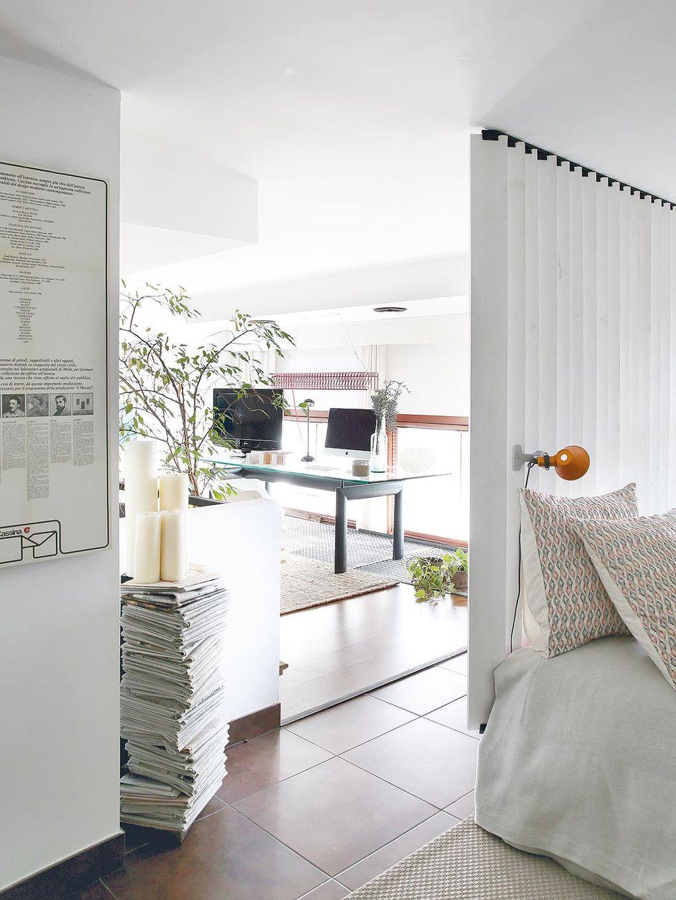 Decor de Crăciun într un apartament pe două niveluri din Madrid 13